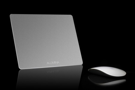 BrandCharger Alumina with mouse
